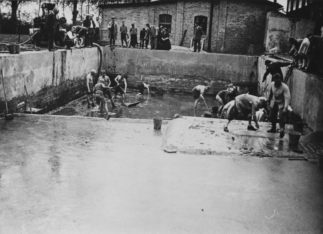 Ausbau Inselbad, Photographie 1933 (StA Paderborn , M 4 Fotosammlung, Klassifikationsgruppe 08.4, Kurwesen und 09.3.3, Schwimmbad Inselbad)