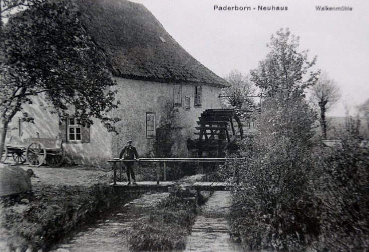 Neuhaus, Walkmühle vor 1926 (Stadt- und KreisA Pb, Repro einer Ansichtskarte,S-M4, Altertumsverein Paderborn)