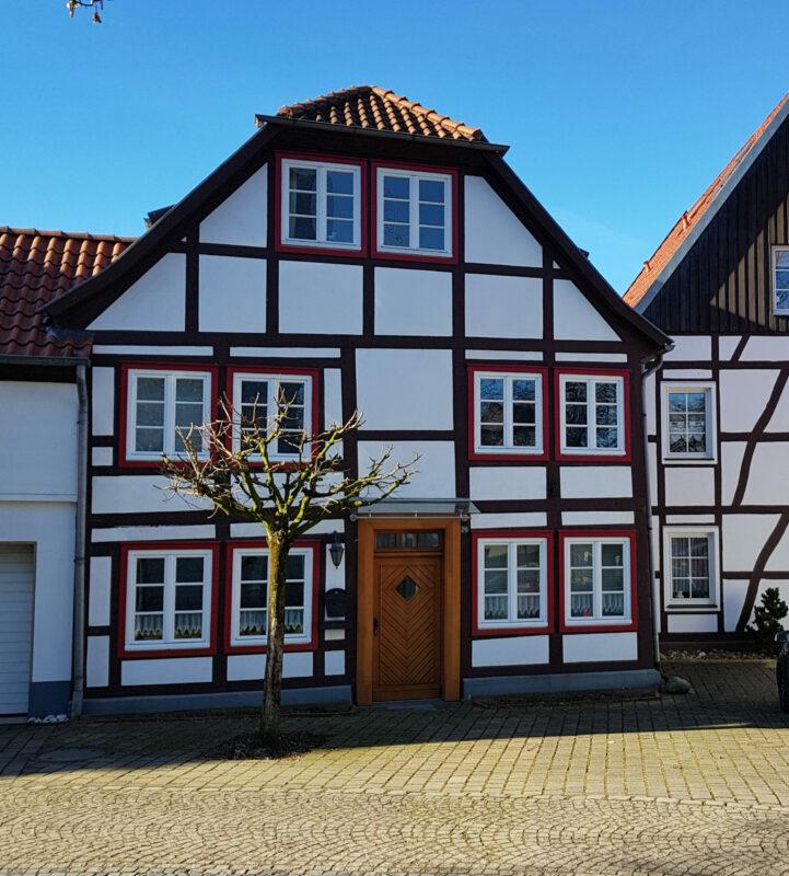 Neuhaus, ehemaliges Wohnhaus des kurfürstlichen Wassermeisters Franz Georg Eberlein in der Sertürner-Straße 26 (Foto M. Ströhmer 2019)